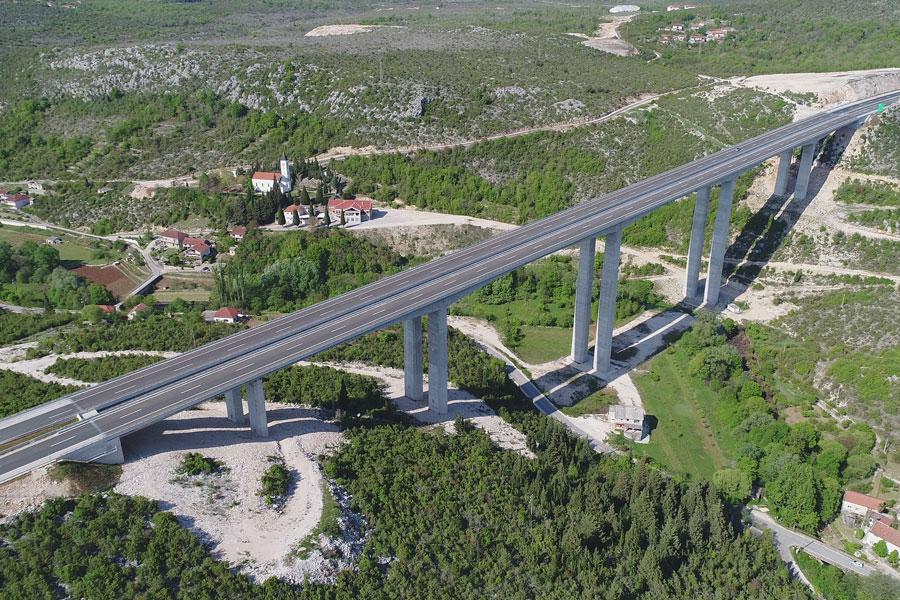 Izgradnja mostova Studenčica i Trebižat u sklopu Izgradnje autoputa na Koridoru Vc
